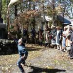 前田正名像のある前田公園ではマリモ祭りにアイヌの法要の舞いがおこなわれる