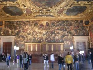 ティントレットの世界最大の油絵である「天国」持ち出し出来ません!