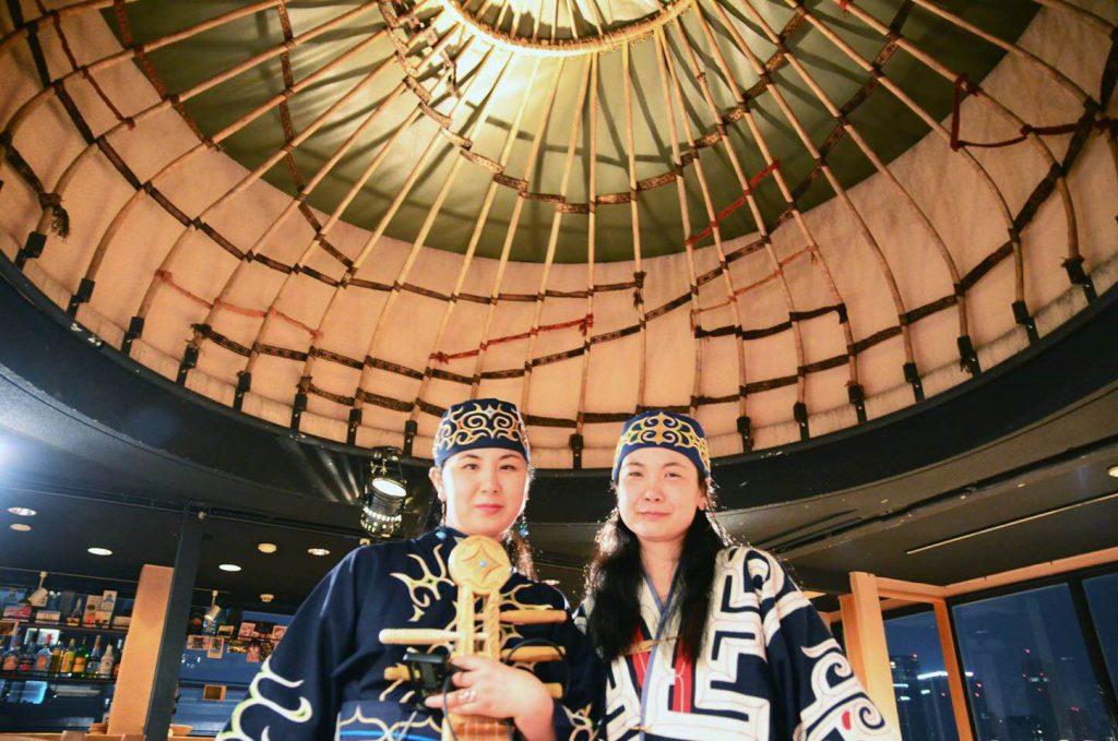阿寒アイヌコタンで活躍しているアイヌ音楽の姉妹デュオ「カピパ&アパッポ」